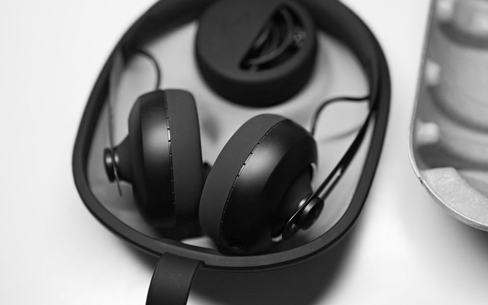 Best DJ Headphones Under $100 1